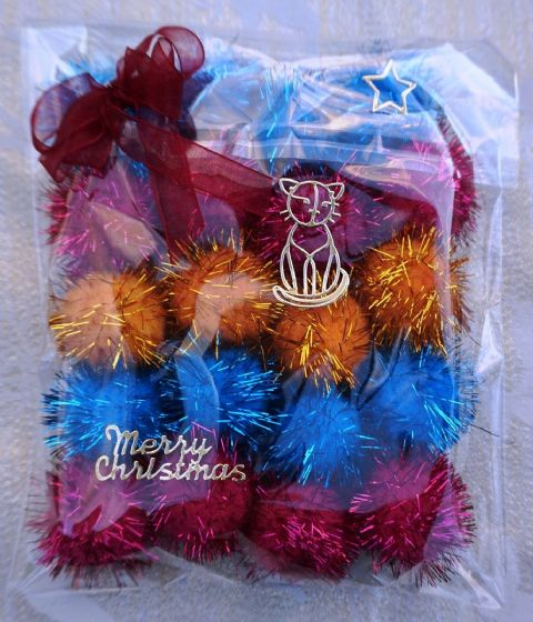 CHRISTMAS CAT TOY PACK - HAND DECORATED AND FILLED WITH 20 POM POM CAT TOYS #15